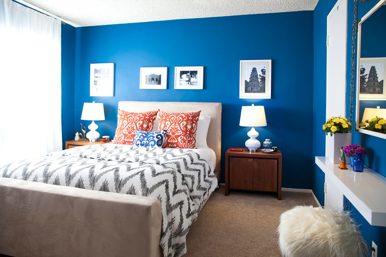 Bedroom With Blue Walls  Moody Interior Breathtaking Bedrooms in Shades of Blue