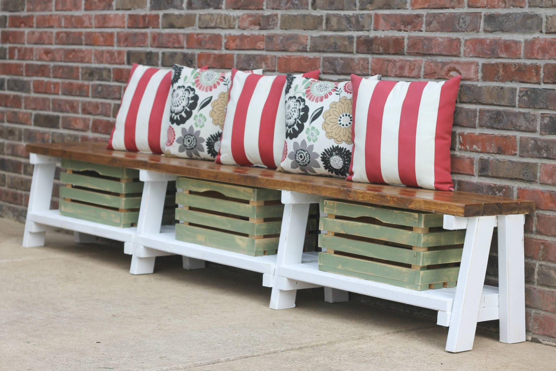 Farmhouse Bench with Storage Awesome Simple Diy Farmhouse Bench Tutorial with Storage