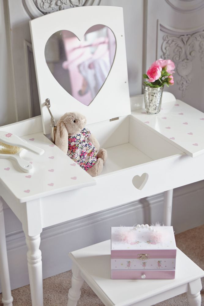 Kids Vanity Table  25 best Children s dressing up rails and accessories