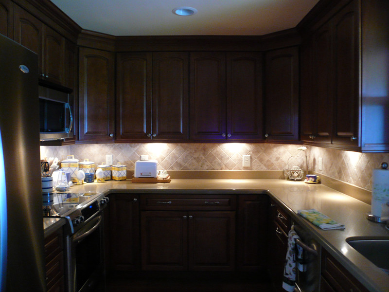 Kitchen Led Lights Under Cabinet  How to choose the right lighting for closets cabinets