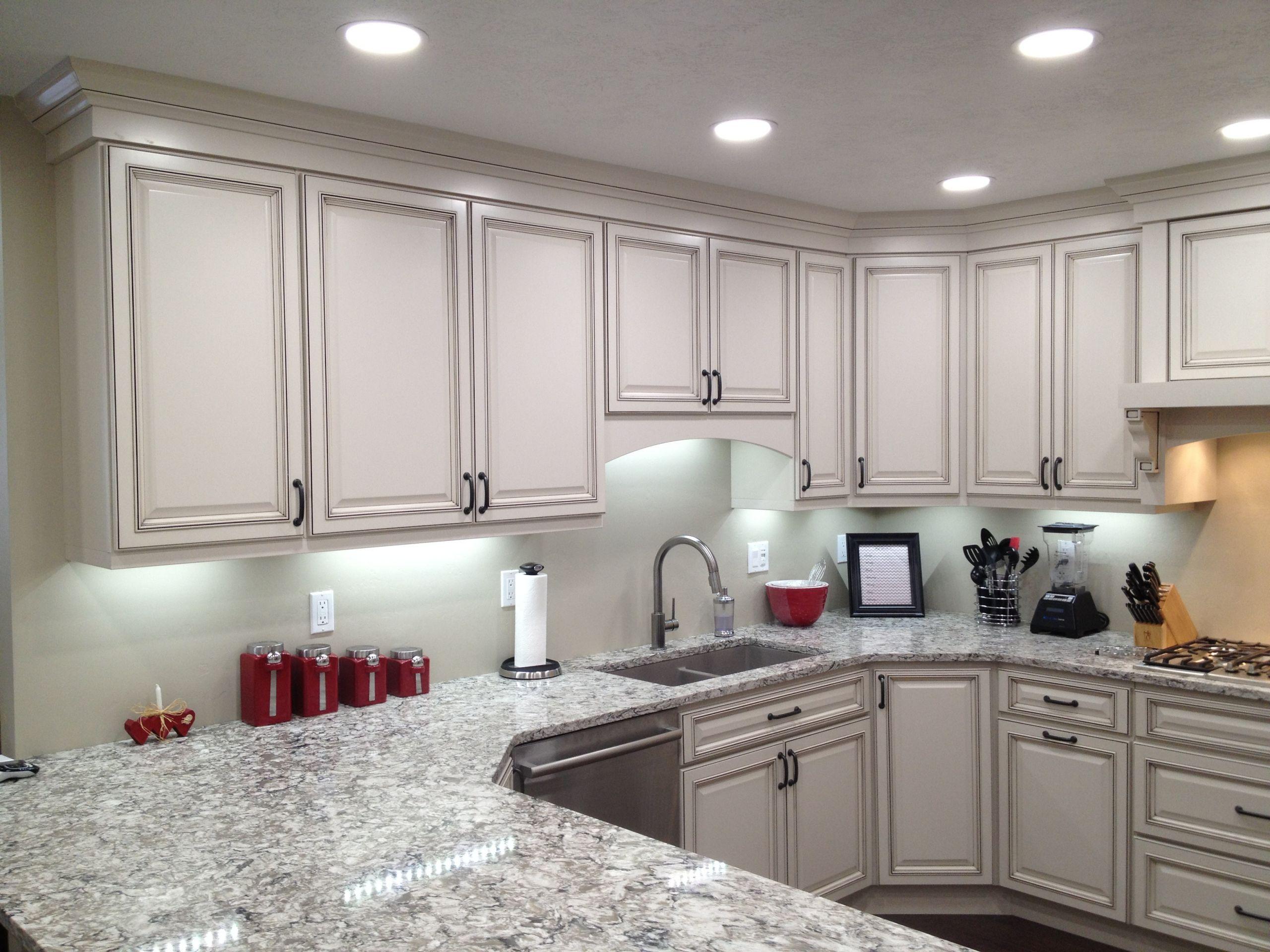 Kitchen Led Lights Under Cabinet  Wireless LED Under Cabinet Lighting