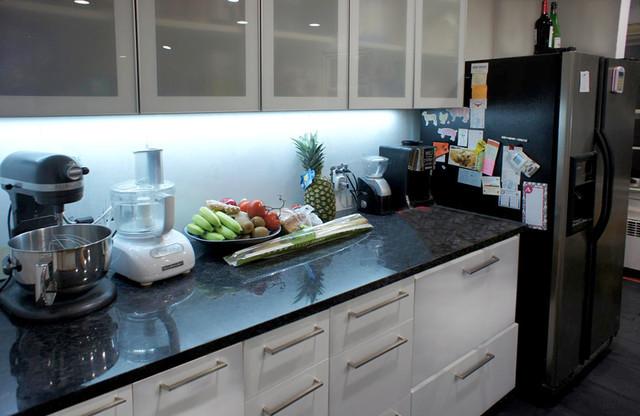 Kitchen Led Lights Under Cabinet  LED Kitchen Under Cabinet Lighting Traditional Kitchen