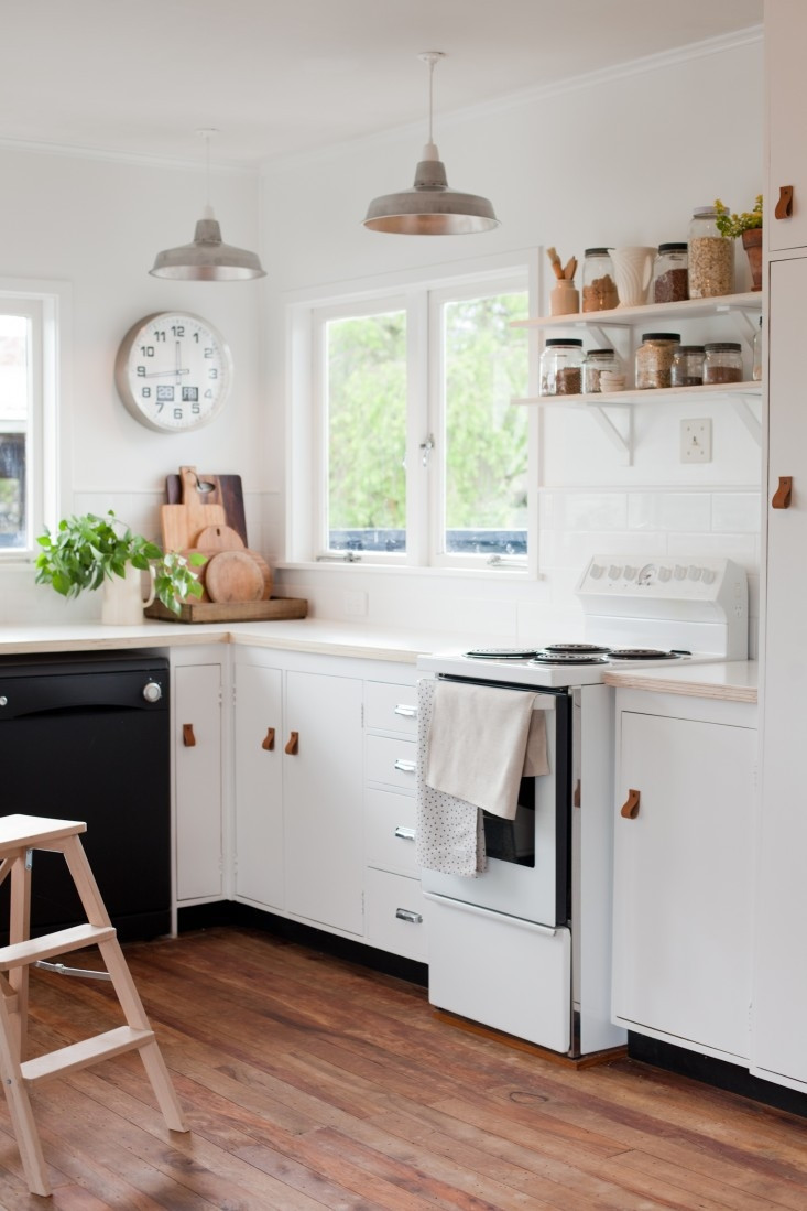 Kitchen Remodeling Budgets  Kitchen of the Week A New Zealand Blogger s $600 DIY