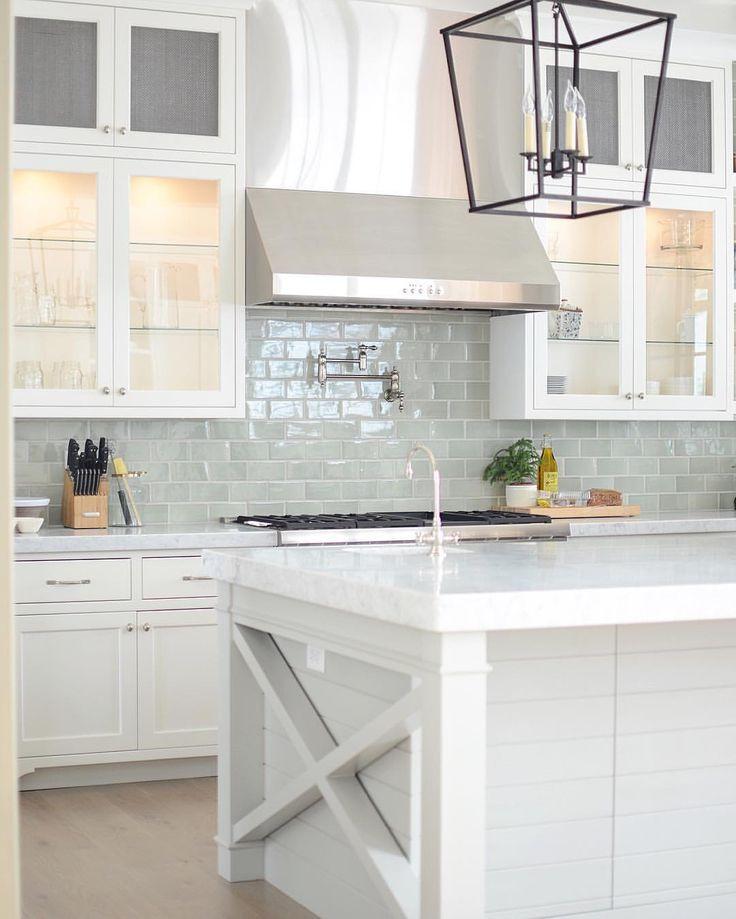 Kitchen Subway Tile Backsplash Designs  Choosing Kitchen Backsplash Design for a Dream Kitchen
