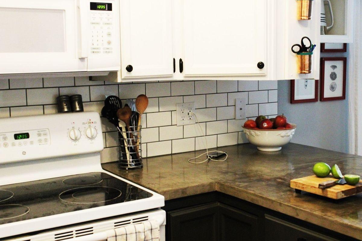 Kitchen Subway Tile Backsplash Designs  75 Kitchen Backsplash Ideas for 2020 Tile Glass Metal etc