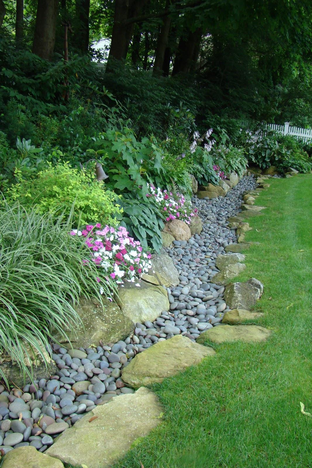 Landscape Edging Ideas  20 Cheap Creative and Modern Garden Edging Ideas