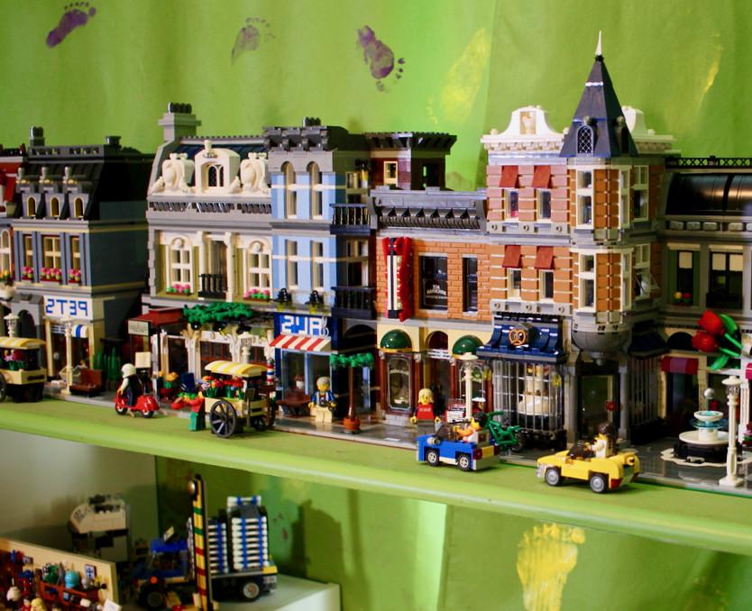 Lego Kids Room  40 Striking Lego Room Designs and Ideas InteriorSherpa