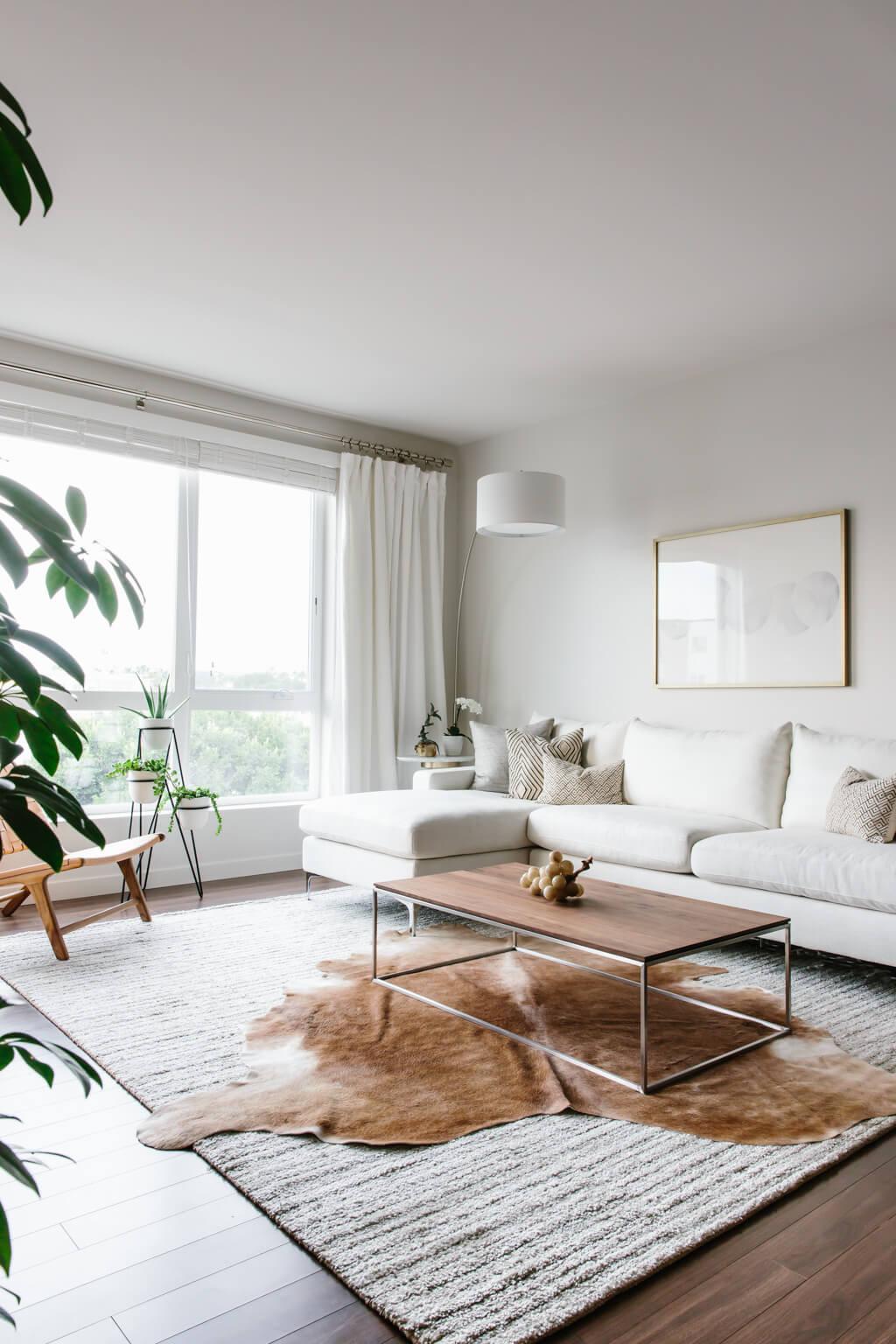 Minimalistic Living Room Elegant Designing My Modern and Minimalist Living Room with