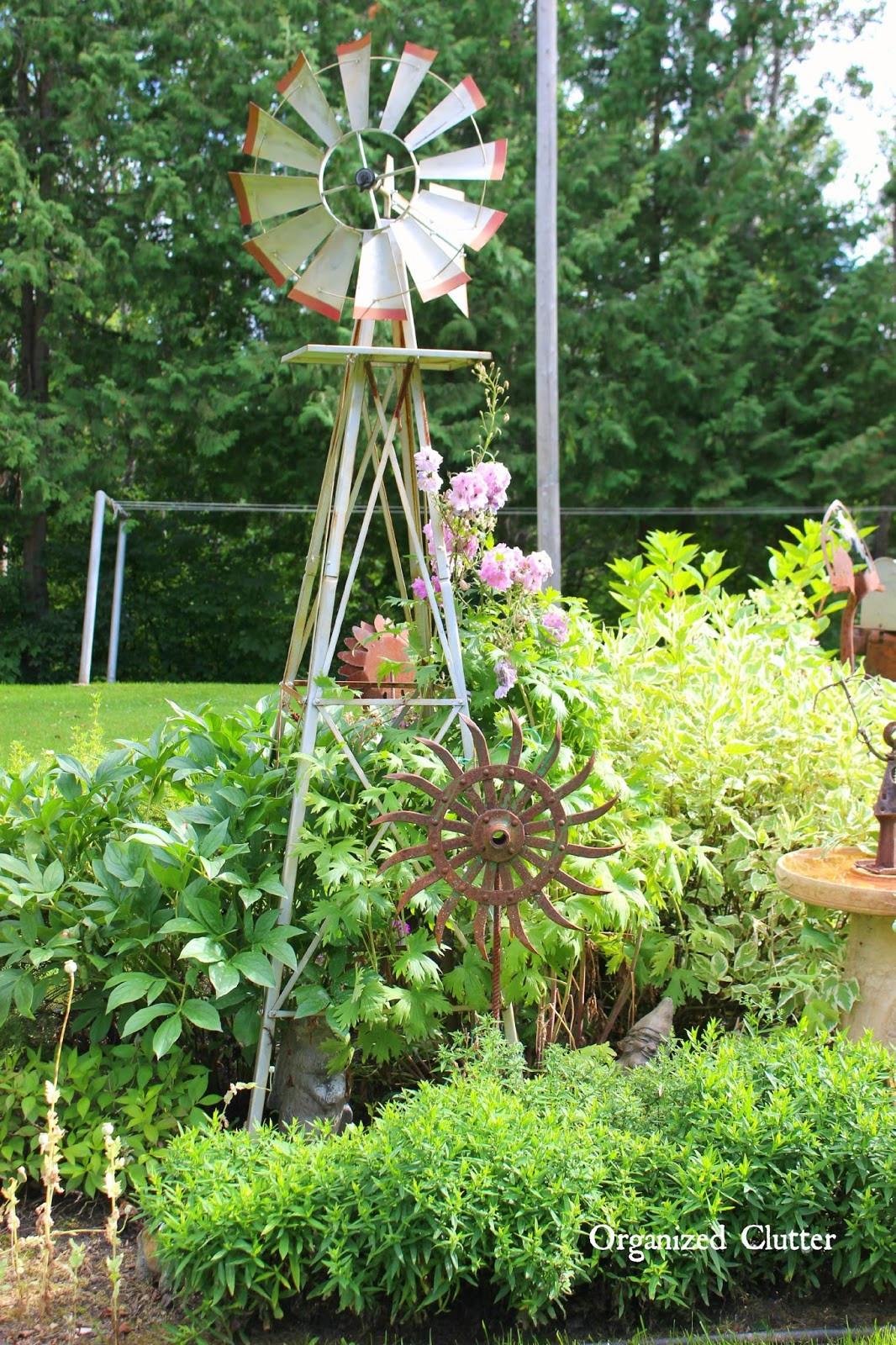 Outdoor Landscape Fun  Dana s Fun Outdoor Junk Decor & Gardens
