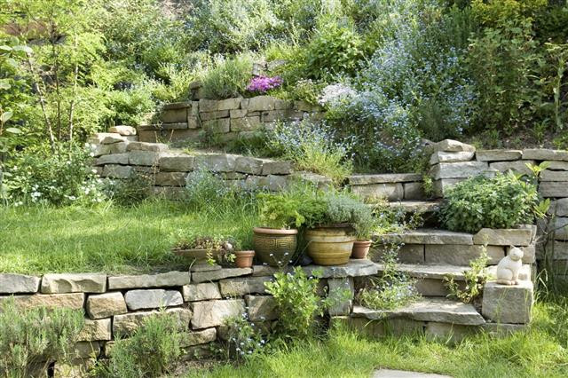 Outdoor Landscape Hill  Ideas for Landscaping a Hill to Make it Naturally que