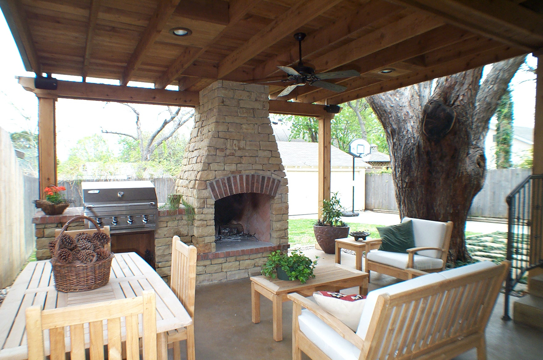 Outdoor Living Space Ideas  Charming Outdoor Living Spaces for Your Modern Dwelling