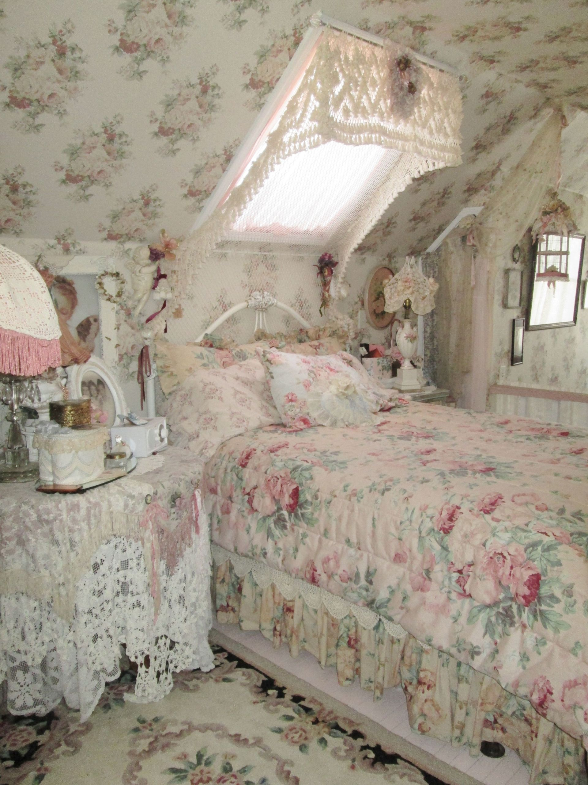 Pink Shabby Chic Bedroom  shabby pink rose bedroom