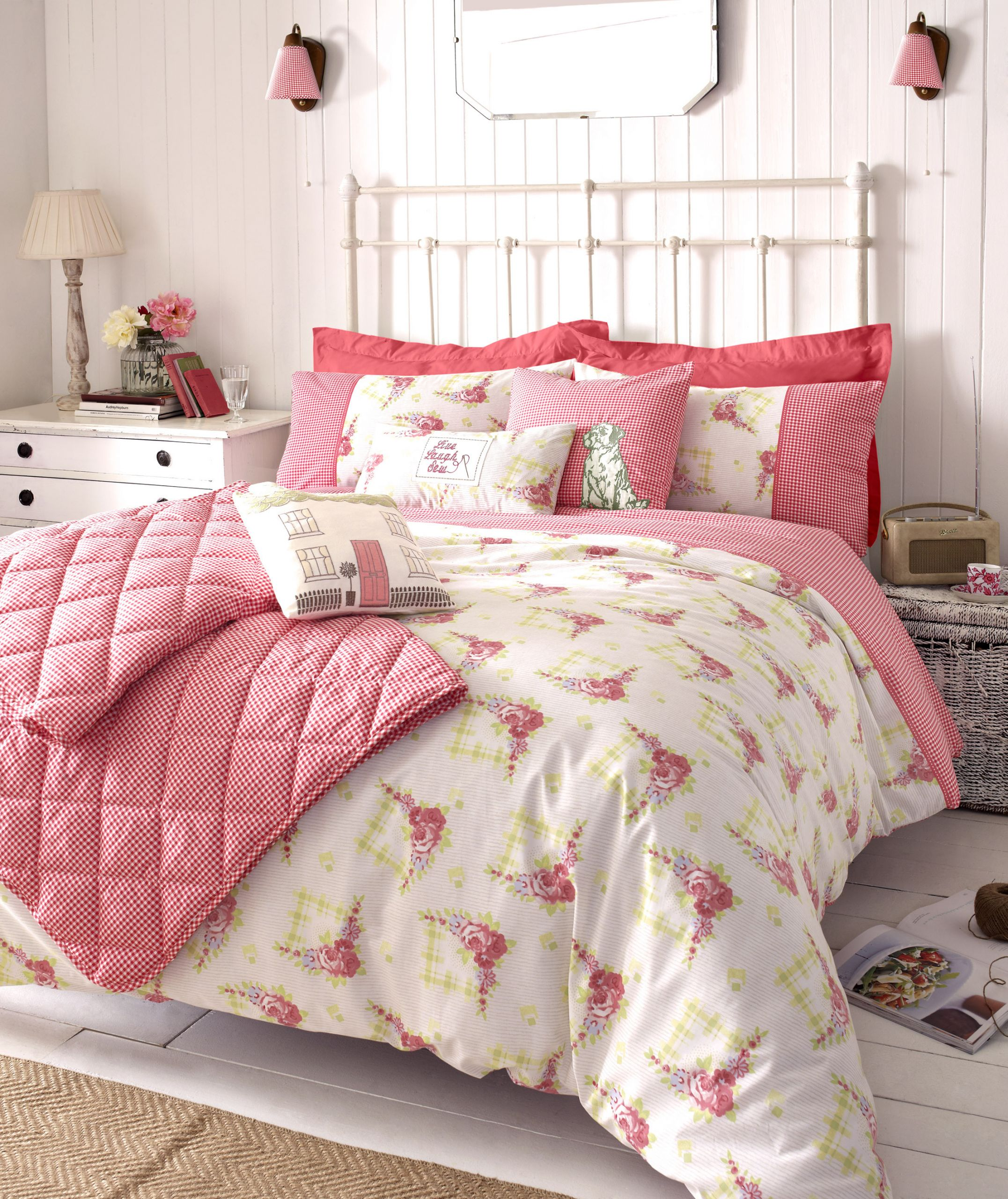 Pink Shabby Chic Bedroom  Must Have Essentials in Bedroom