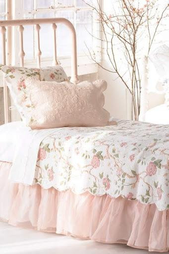 Pink Shabby Chic Bedroom  Pink Bedroom Interior Design Ideas with