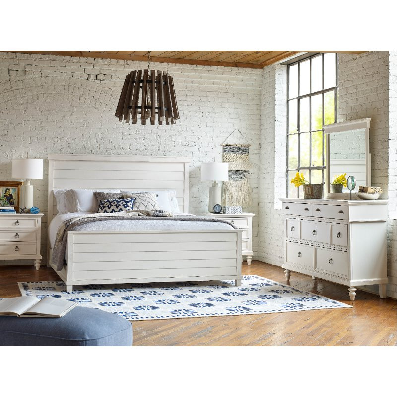 Rustic Bedroom Set King  Rustic Casual White 6 Piece King Bedroom Set Ashgrove