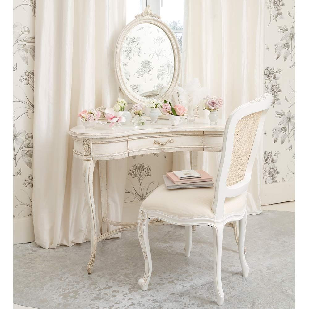 Shabby Chic Bedroom Chair  Simply Shabby Chic Furniture for Your Interior Design