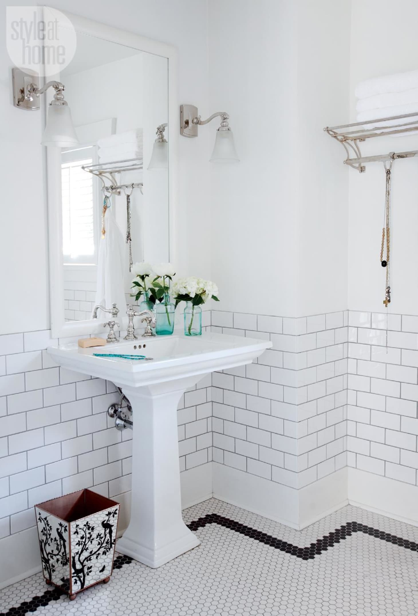 Vintage Bathroom Floor Tile New Mosaic Tile Floor Ideas for Vintage Style Bathrooms