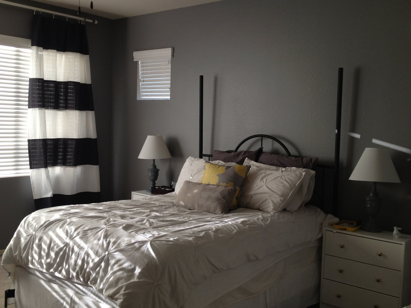 Gray Paint For Bedroom  Elegant Gray Paint Colors for Bedrooms – HomesFeed