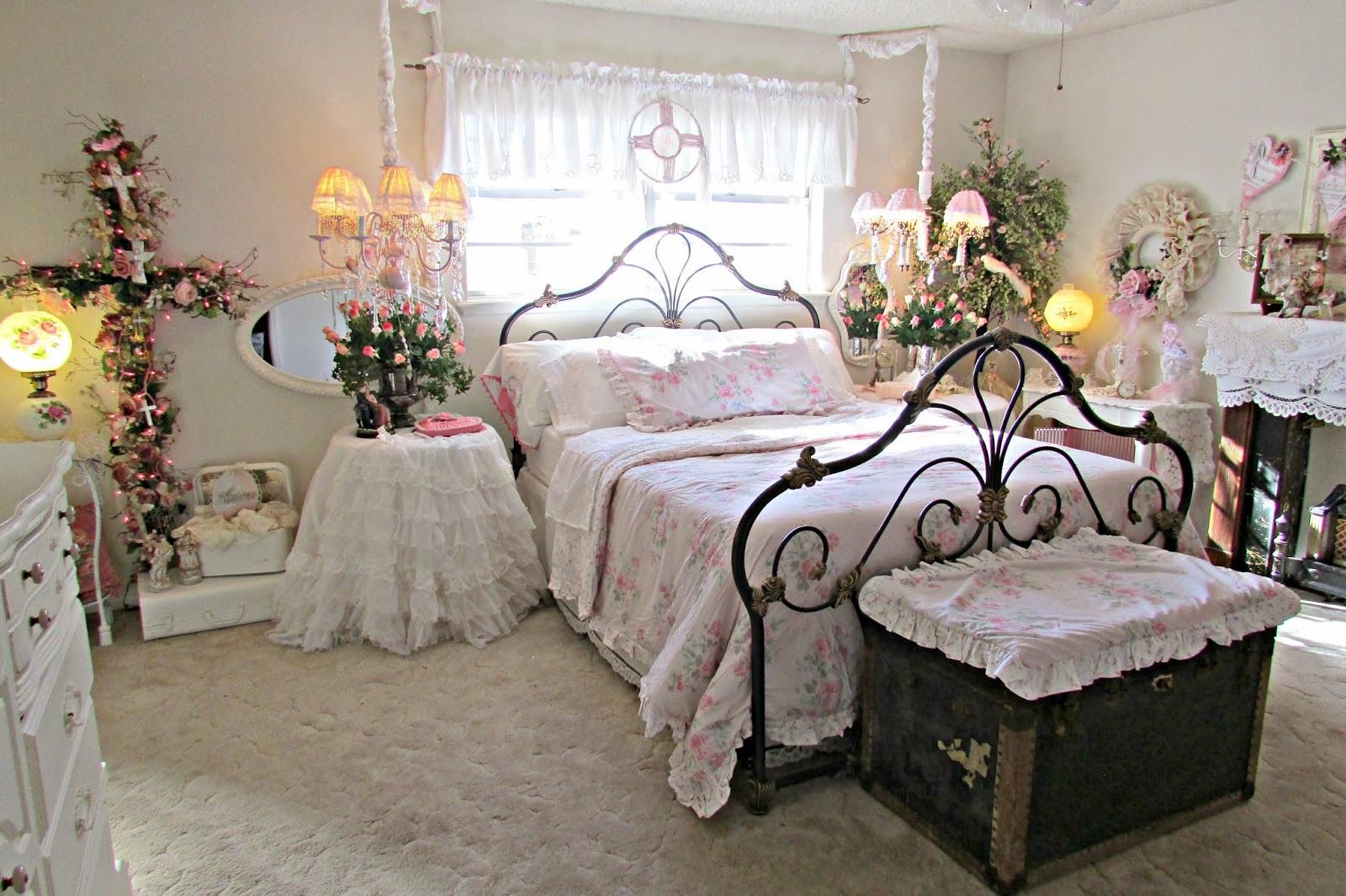 Romantic Bedroom Decor Ideas  Penny s Vintage Home Romantic Ideas for Decorating your